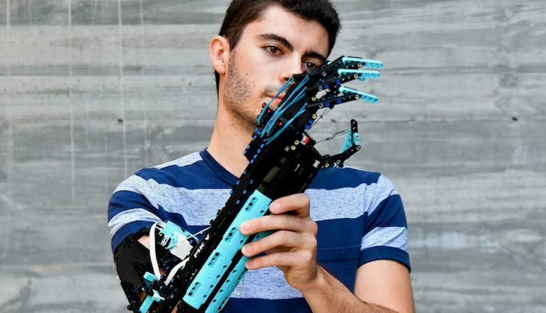 'Hand Solo': the one-armed boy who built a Lego prosthesis