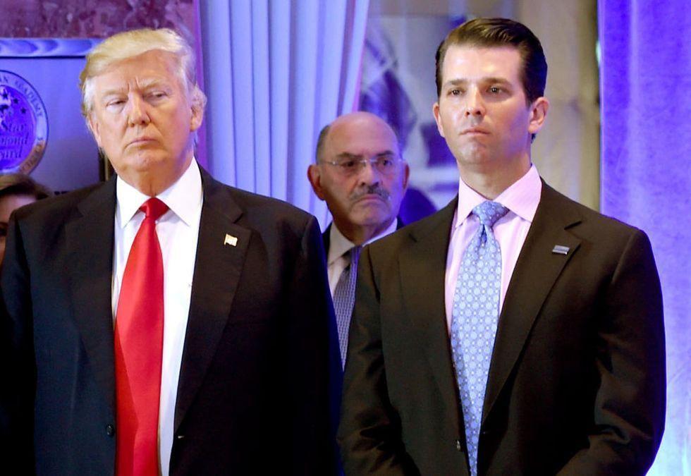 Trump is keeping Allen Weisselberg close as indictments loom: report