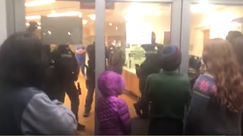 Right-wing militants try to storm hospital to protest 'medical kidnapping' of woman who refused COVID-19 test