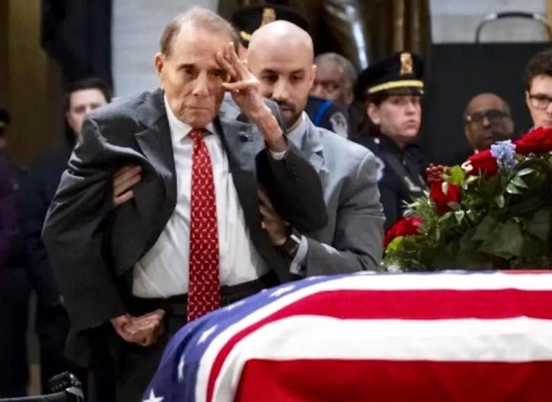 Former US presidential candidate Bob Dole has lung cancer