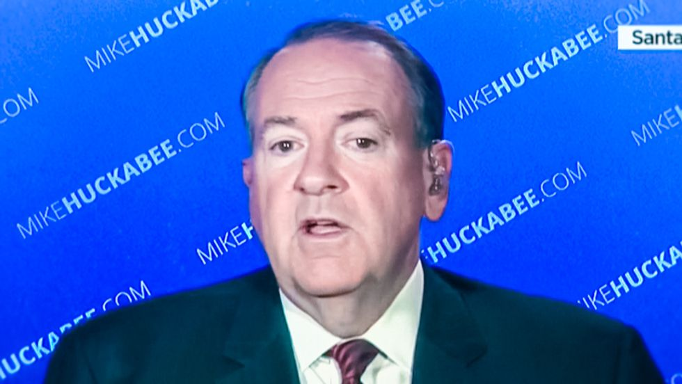 Huckabee defends calling Jay Z a 'pimp' -- but says 'nothing is unforgivable' for Josh Duggar