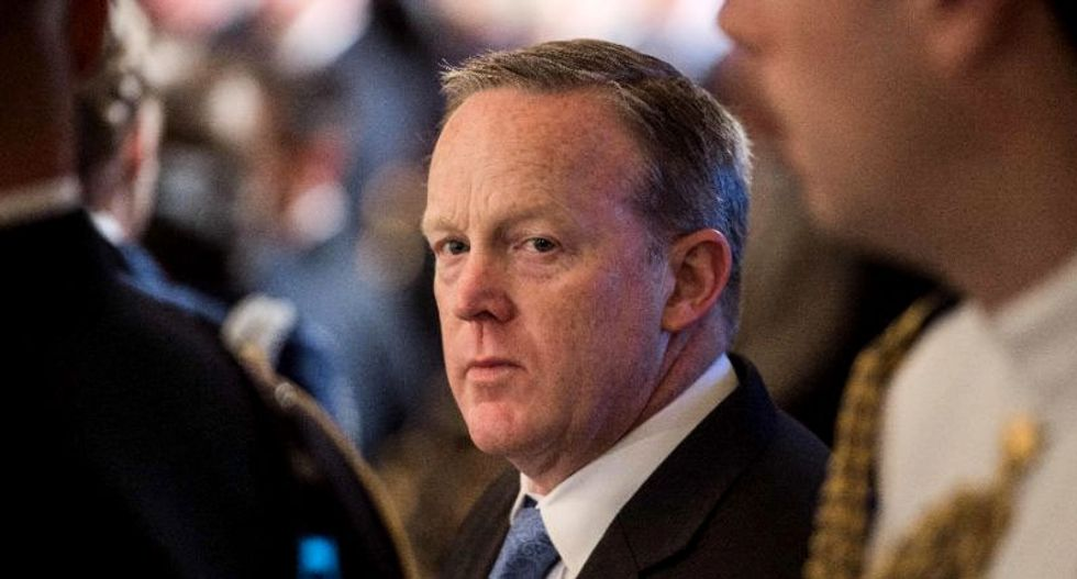 Sean Spicer freaks out over question about turning over White House notes to Bob Mueller