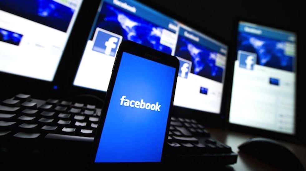 Facebook revenue up 72 percent on rising mobile ads
