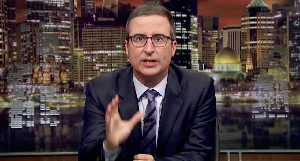 John Oliver unleashes on news sites that sent out stupid push notifications