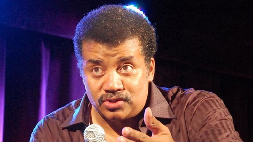 Neil deGrasse Tyson disproves idea of 'the speed of dark'