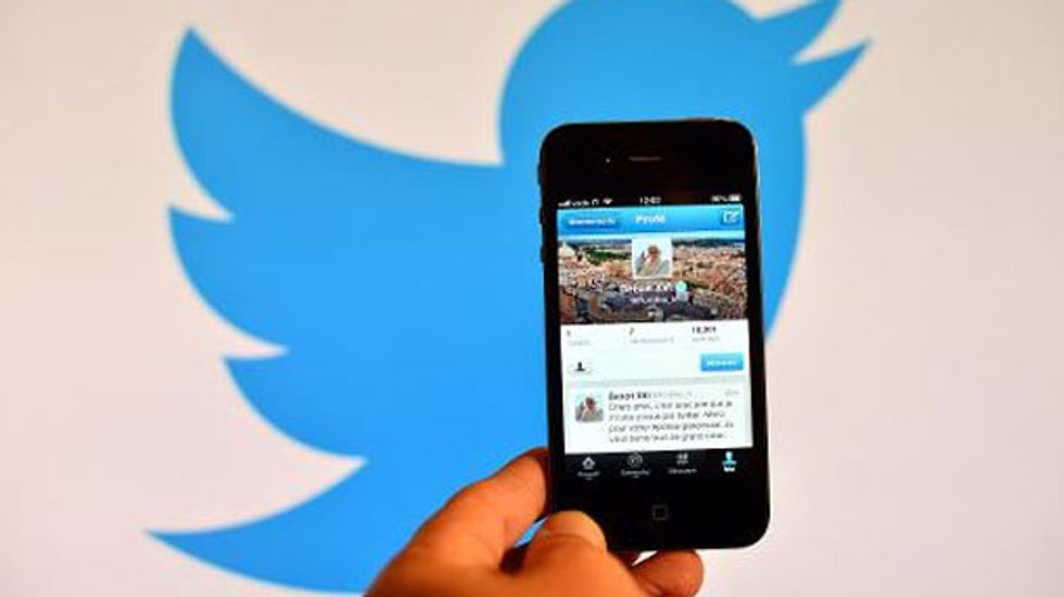 Twitter says Venezuelan authorities are blocking pictures amid new protests