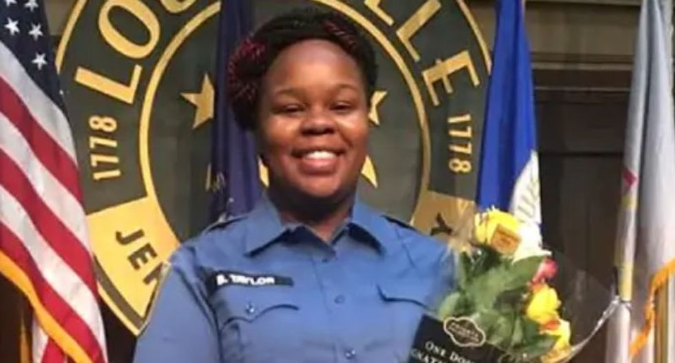 Oprah erects 26 billboards around Louisville -- demanding the cops who killed Breonna Taylor get arrested
