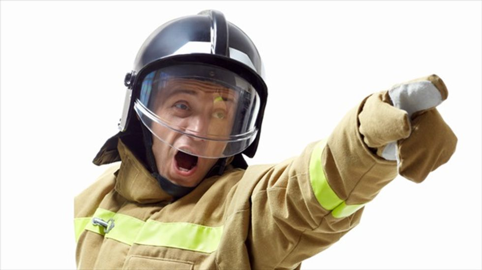 Firefighter smashes cashier's computer at Chinese restaurant because he didn't like his food