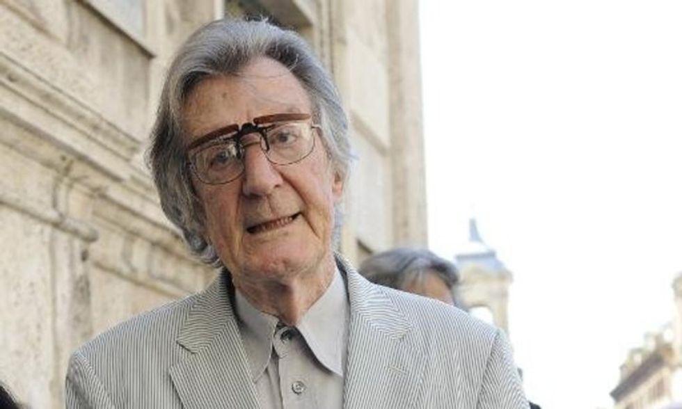 Italian film director commits suicide