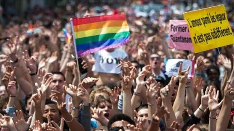 Most Americans side with gays in religious freedom disputes: Reuters/Ipsos poll