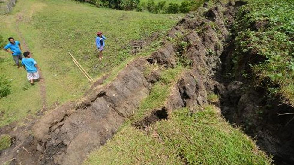 Philippine earthquake creates jaw-dropping miles-long rocky wall