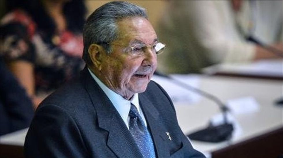 Obama and Castro head toward historic encounter