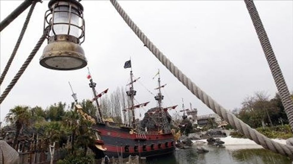 5-year-old boy in critical condition after falling from Disneyland Paris 'Pirates' ride
