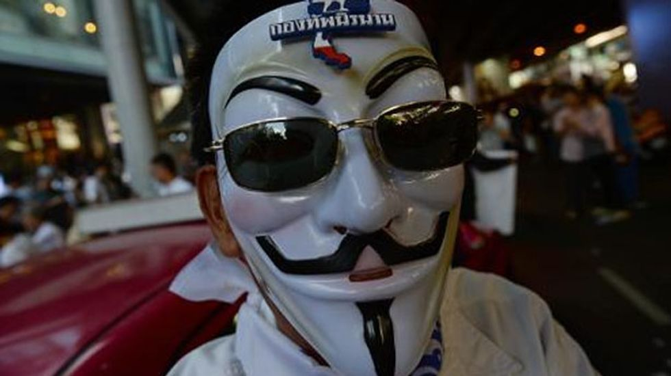 Thai protesters march against amnesty for political criminals