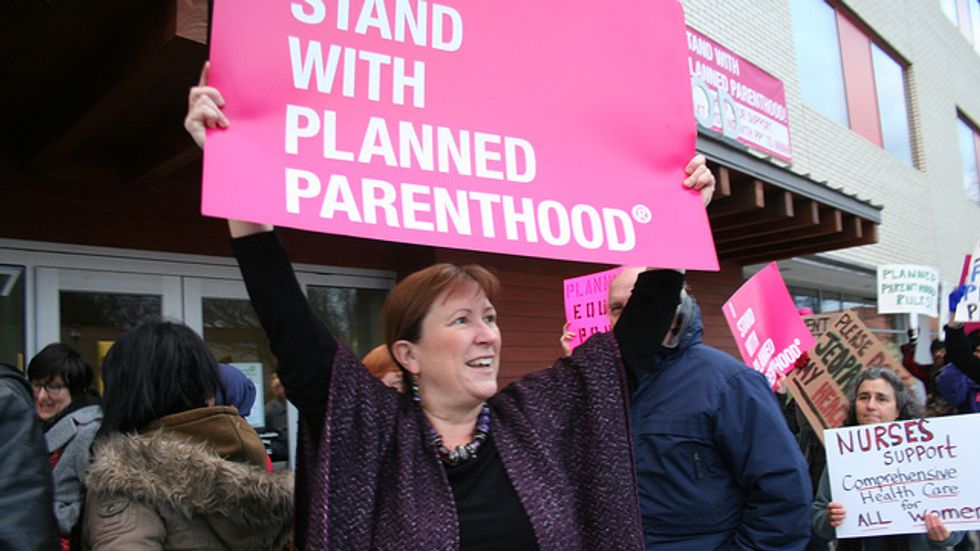 Obama administration shores up protections for Planned Parenthood