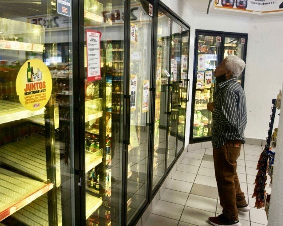 Thirsty beer lovers find supplies have run dry in Mexico