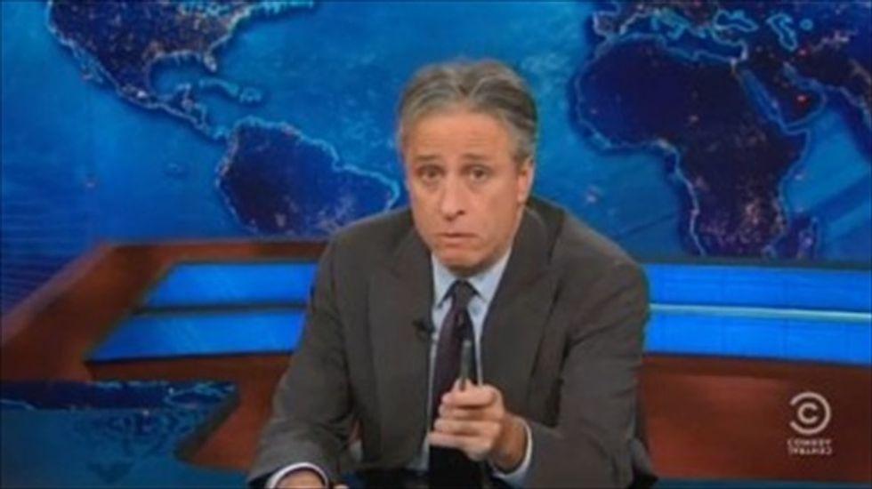 Jon Stewart mocks Chris Christie for stuffing pigs in crates for his presidential hopes