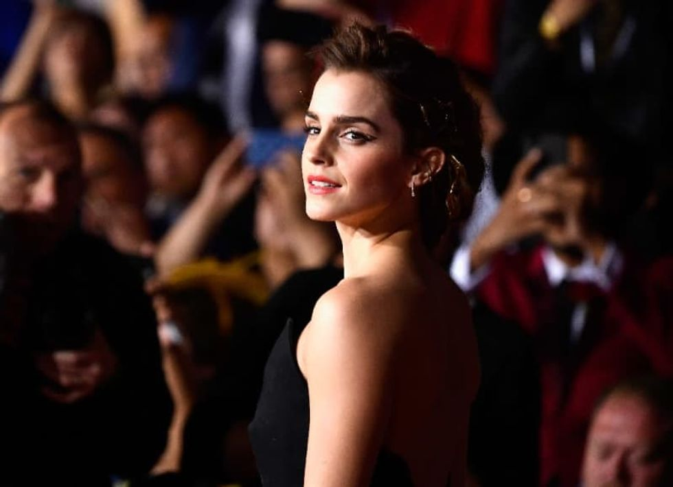 Hollywood hype machine plots virus-proof red carpets
