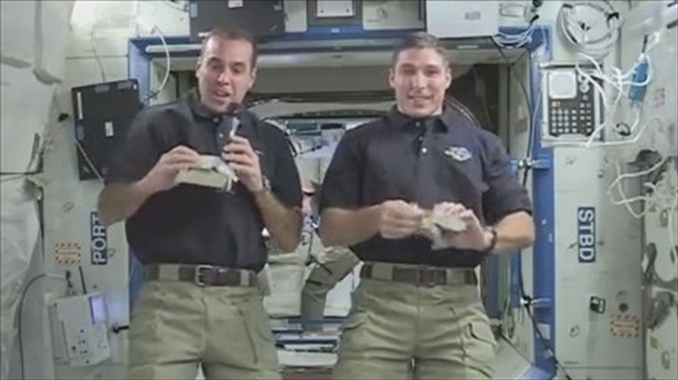 WATCH: A look at how astronauts eat Thanksgiving dinner