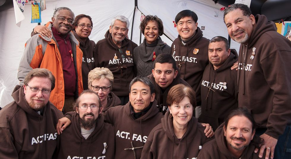 President Obama and First Lady visit fasting immigration activists