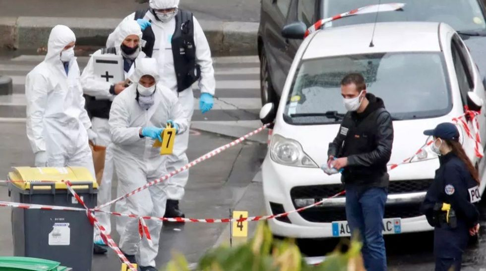 Suspect in Paris knife attack was not on police radar