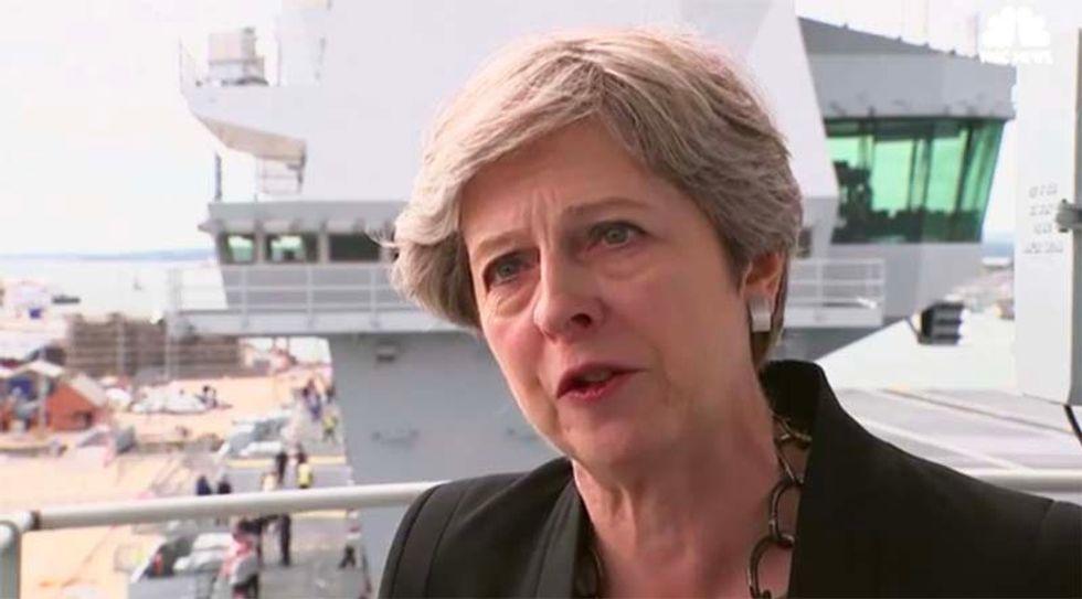 Trump advises British PM Theresa May to sue the EU