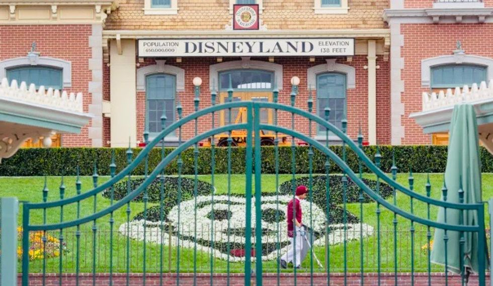 Disneyland and California theme parks push for reopening