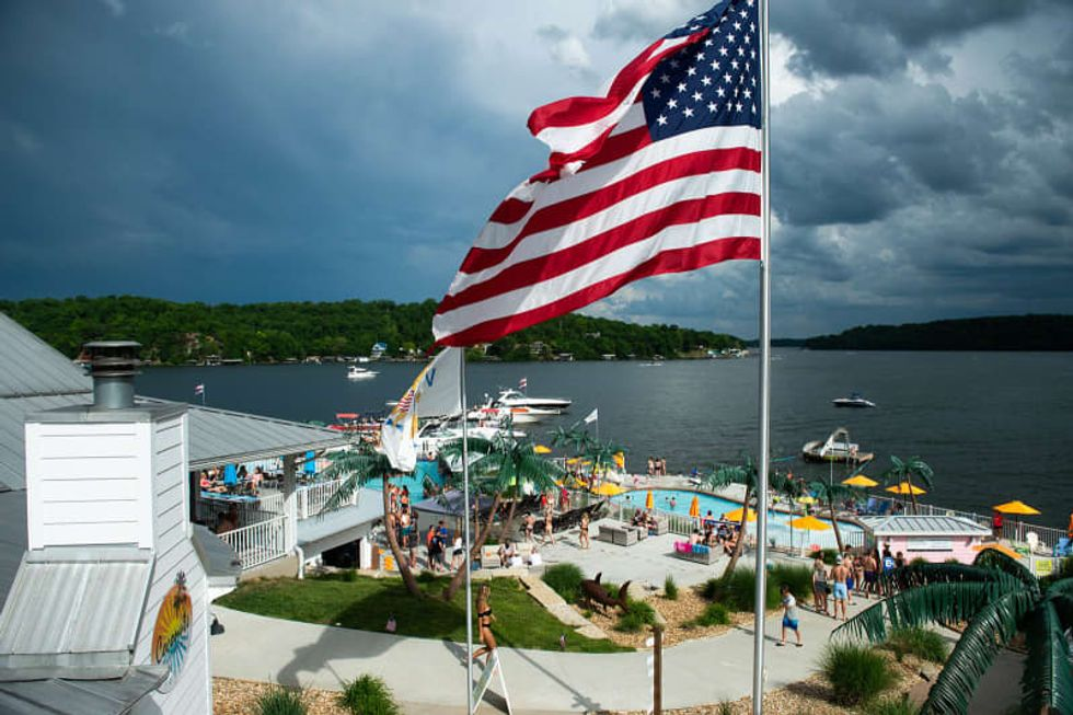 Person who partied at the Lake of the Ozarks over Memorial Day tests positive for COVID-19