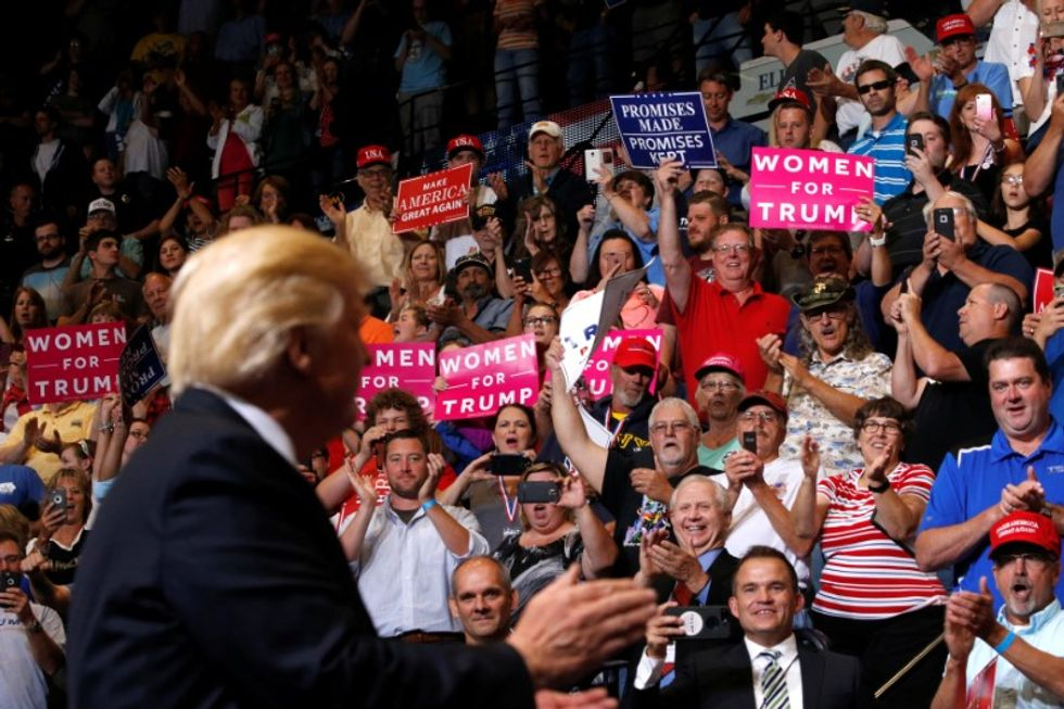 Conservative author explains how Trump could dupe alienated voters again in 2020
