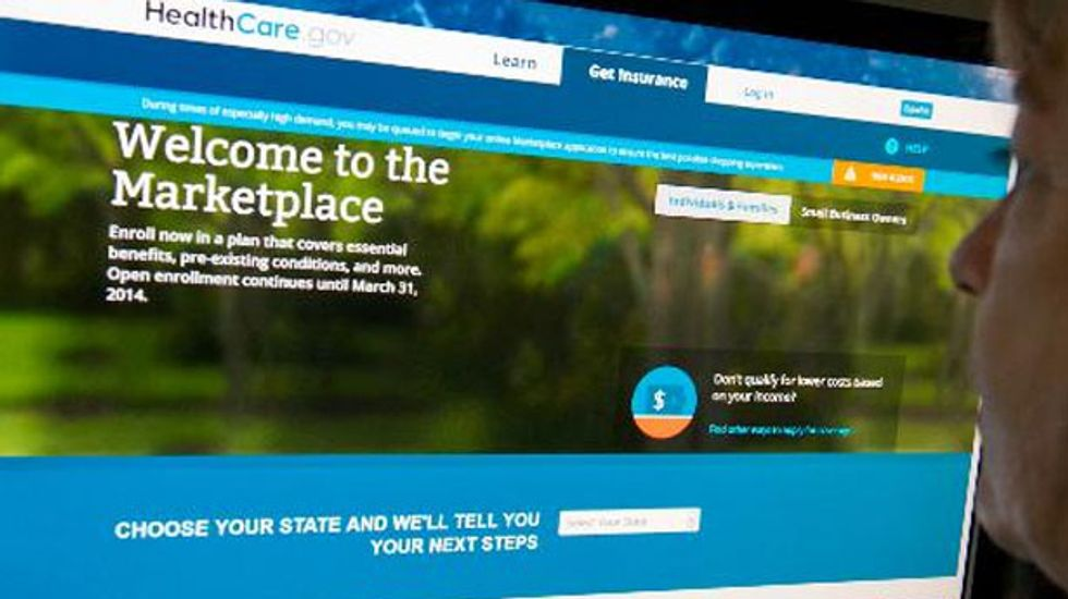 White House defends extension of Obamacare deadline