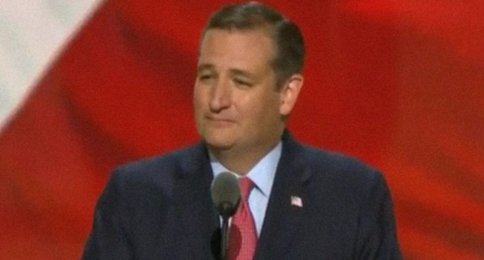 RNC crowd turns on Ted Cruz for endorsing Trump's 'wall' -- but not him