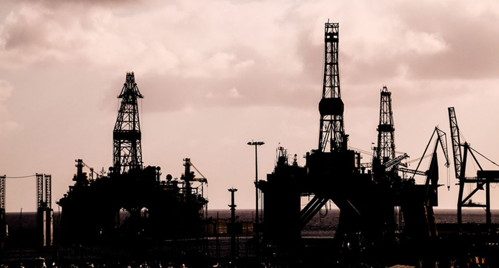 Oil prices dip on concerns of slowing economic growth