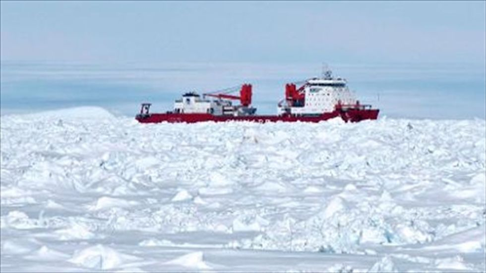 Update: Trapped Chinese vessel 'breaks through Antarctic ice'