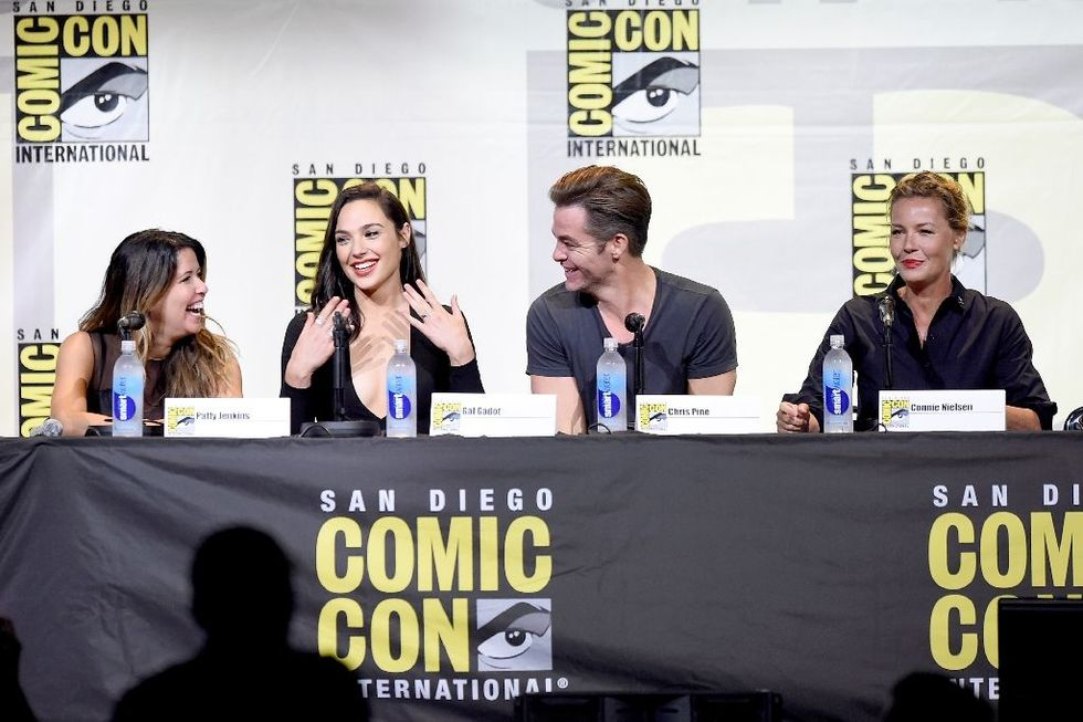 Warner wows Comic-Con with blockbuster previews