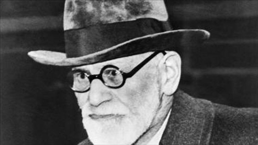 Thief drops urn containing Sigmund Freud's ashes during break-in attempt