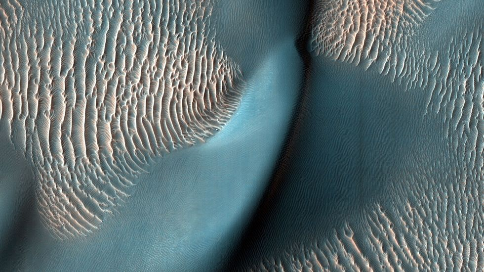 Scientists to study Mongolian sand dunes to predict wind speeds on Mars and Titan