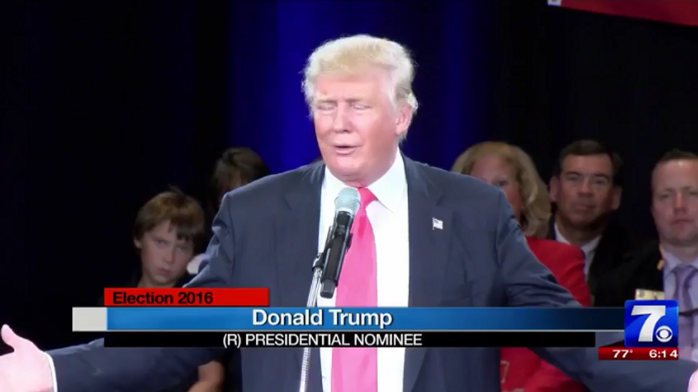 Trump whines about hotel's air conditioning at campaign event -- and threatens to not pay them