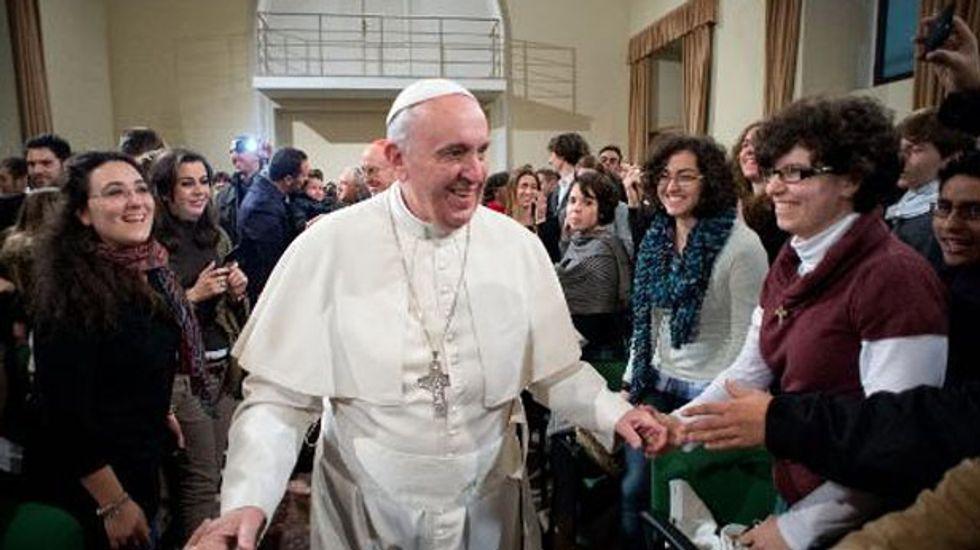 Cleanup for Pope's Philadelphia Mass sweeps homeless aside