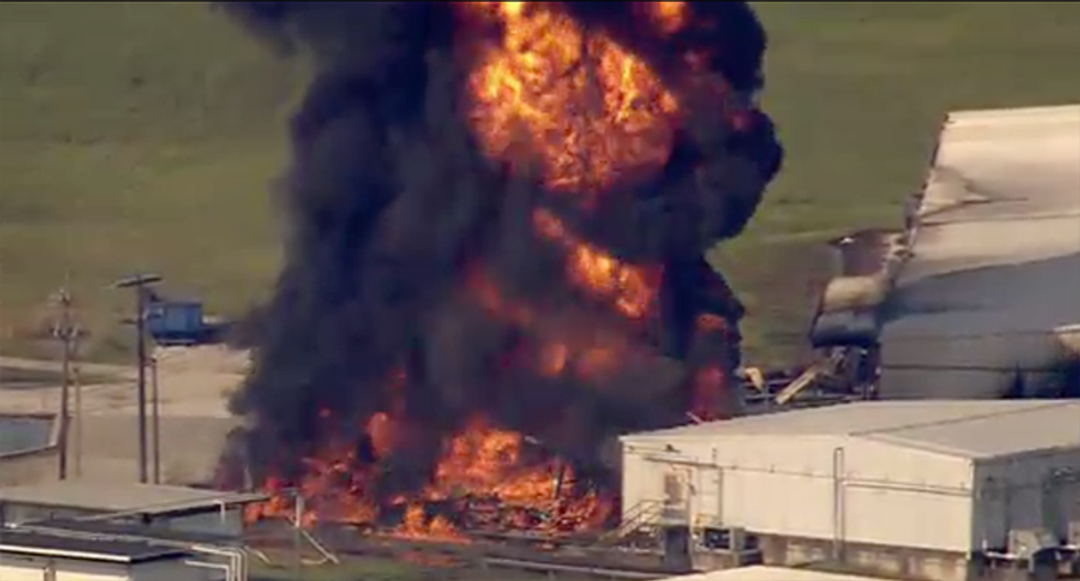 WATCH: Texas chemical plant blows up with immense fire spreading to other buildings