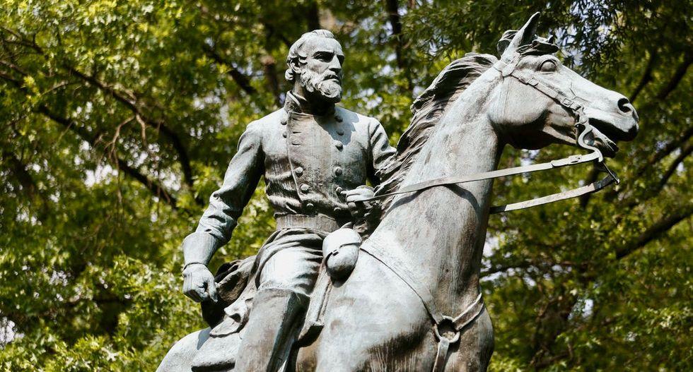Charlottesville allows removal of second Confederate statue