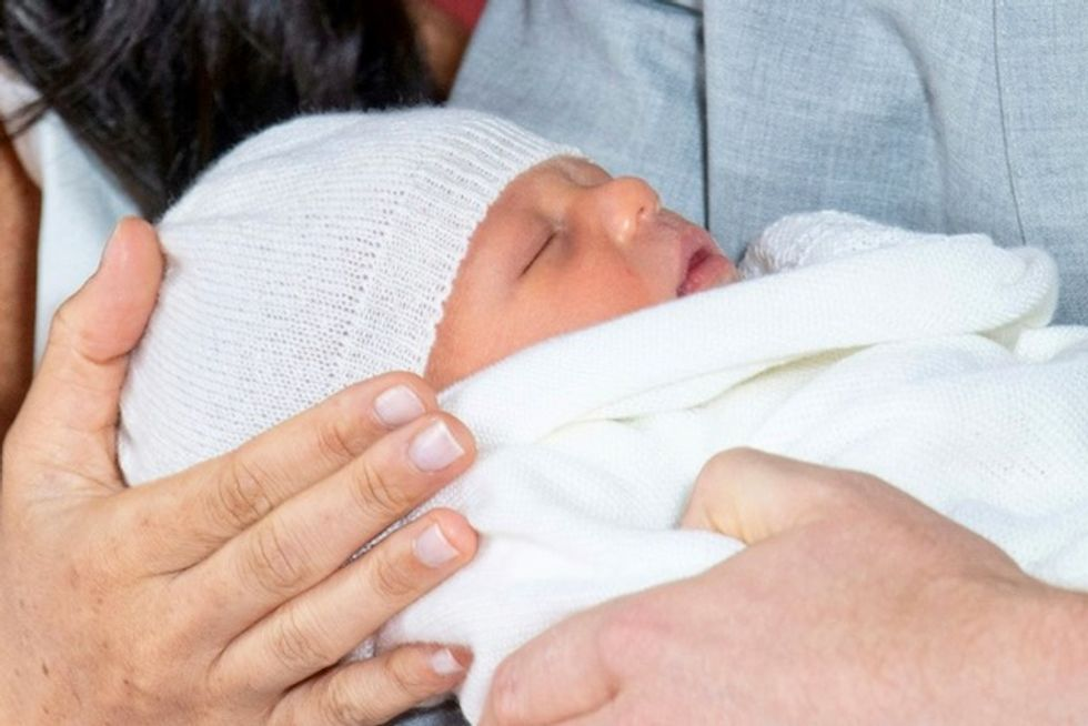 World gets first glimpse of Harry and Meghan's royal baby