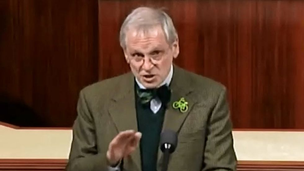 Democrat blasts irrational federal government for spreading misinformation about marijuana