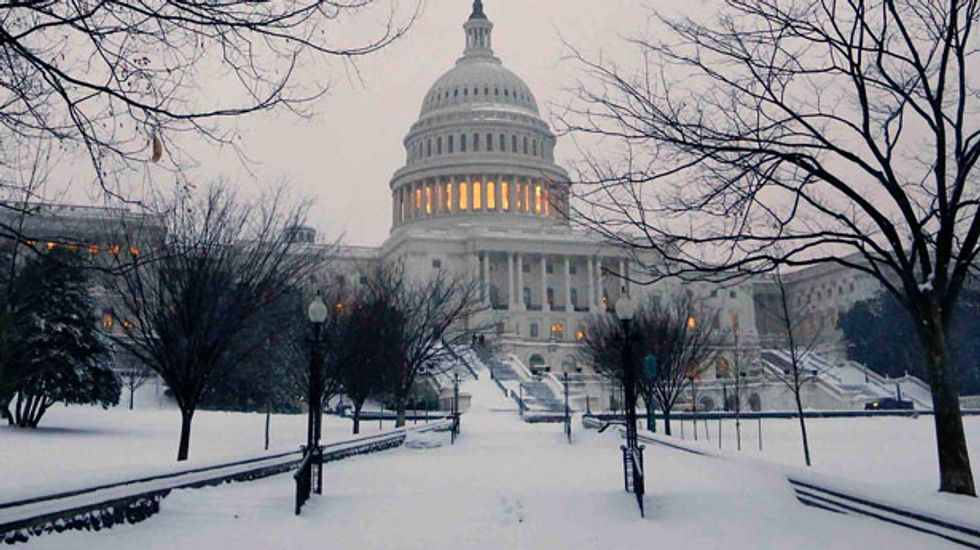 Deadly winter storm pounds the East Coast