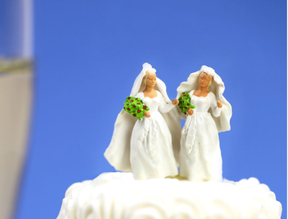 Oregon bakers forced to pay $135,000 after sharing lesbian couple's home address