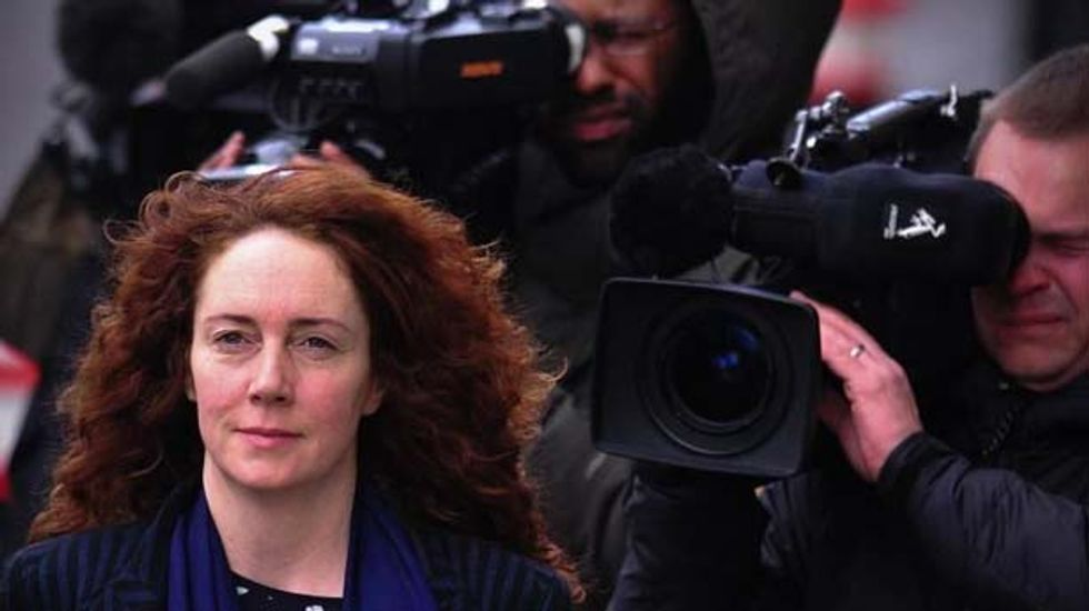 News of the World editor Rebekah Brooks cleared of bribery charge in British hacking trial