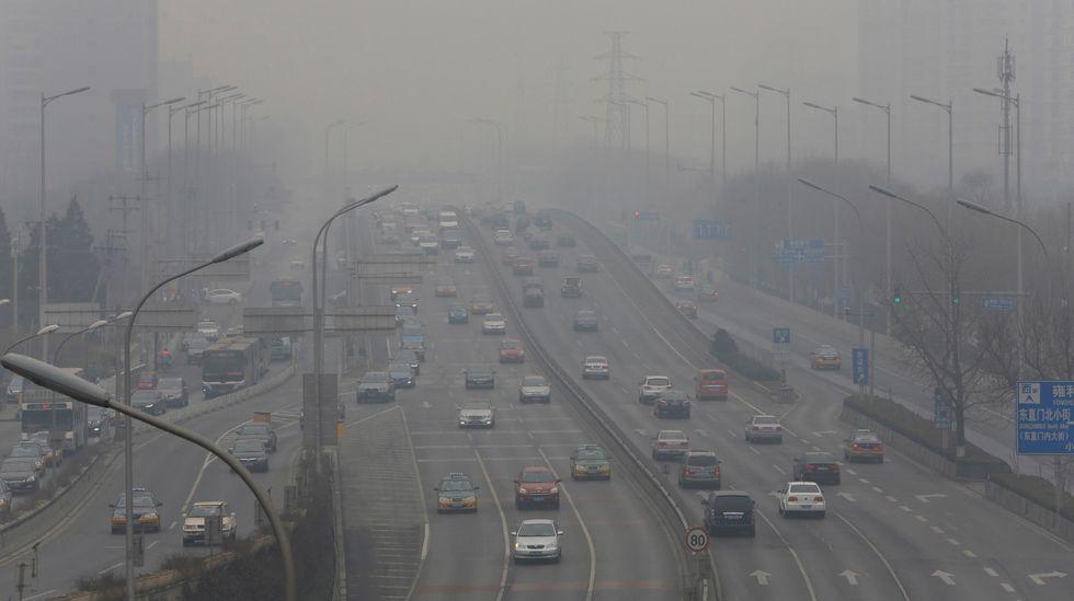 First 'orange' pollution alert as massive smog rolls into Beijing