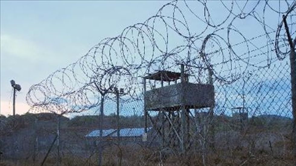 Former Guantanamo detainees sue U.S. for damages from mental and physical abuse