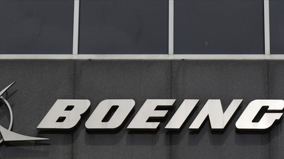 New Boeing cell phone can 'self-destruct' all data