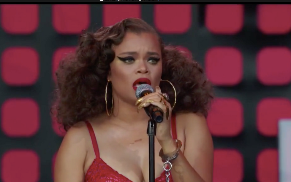 Singer Andra Day performs amazing version of anti-lynching song 'Strange Fruit' at Global Citizen Fest