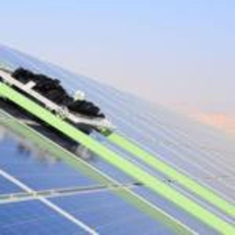 Kibbutz recruits 100 solar panel robots to combat desert dust